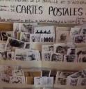 Panneau de vente des cartes postales. Paris, septembre 2016